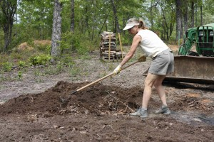 amanda-raking-soil